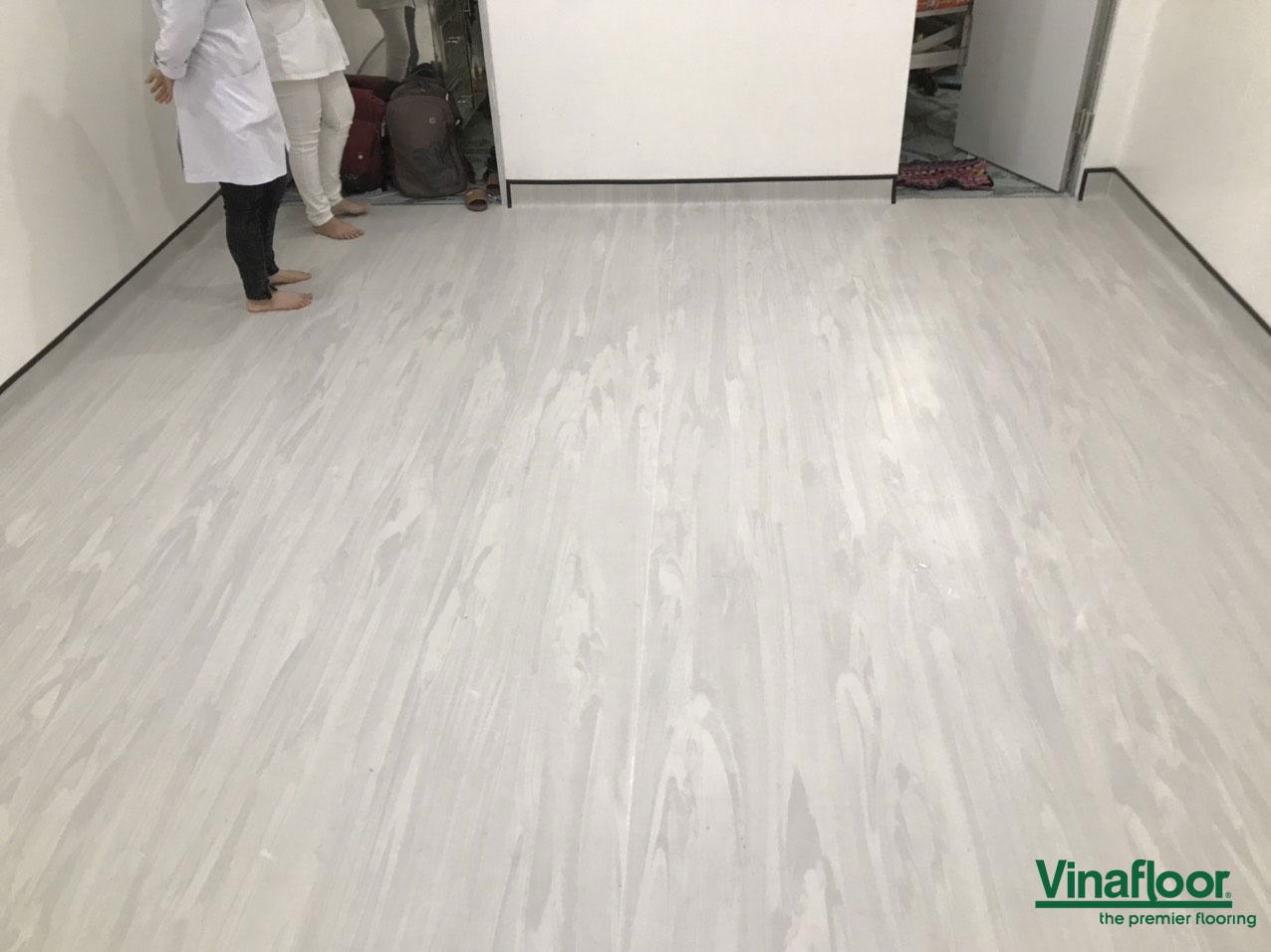 sàn vinyl topflor nhà hộ sinh Hồng Phước