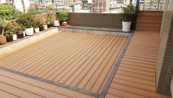 Sàn nhựa giả gỗ sân vườn cho ngôi nhà hiện đại của bạn