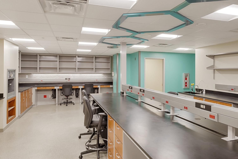 Sàn vinyl kháng khuẩn cho bệnh viện sạch và an toàn