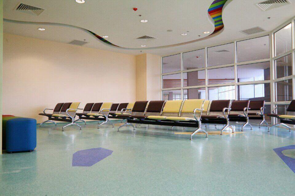 Dùng sàn vinyl kháng khuẩn khắc phục nhiễm khuẩn bệnh viện